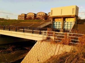 水門に排水ポンプ増設